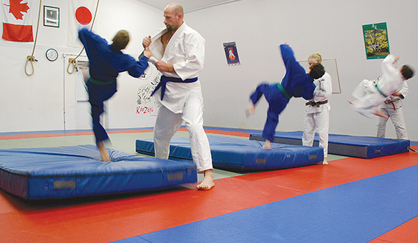 crash mats judo throw kaizen